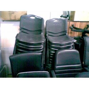 黑色胶会议椅