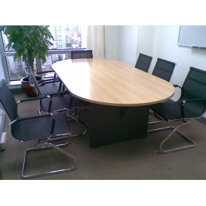 9成新2.4米长会议桌