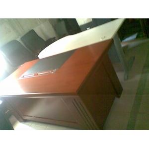9.9成新2米实木皮老板桌