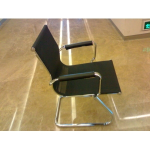 9成新弓形铁脚会议椅